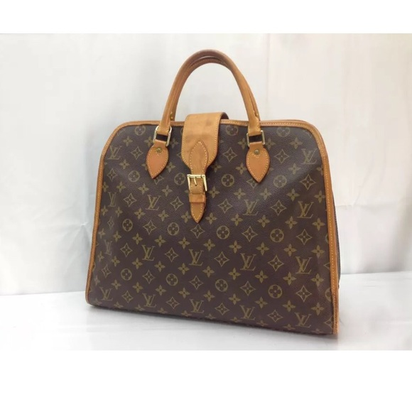 7a089c0d865 Louis Vuitton Handbags - Lovely Authentic Louis Vuitton Rivoli Handbag
